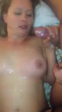 Испытывает оргазмы на массовом проебе