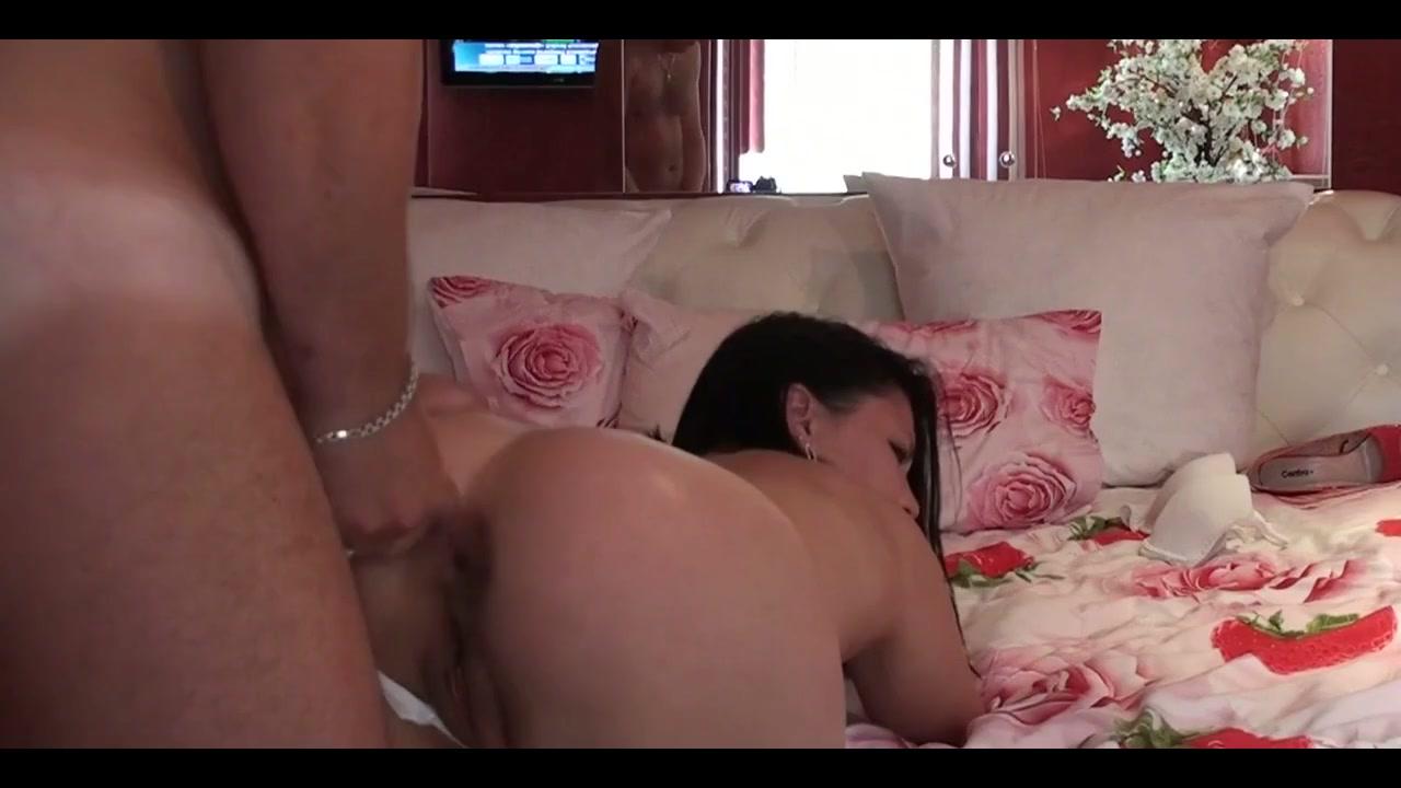 Несколько сцен с гламурной сексвайф