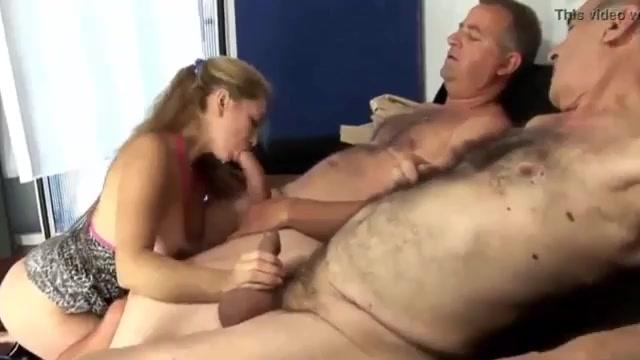 Женщина удовлетворяет пожилых боссов мужа