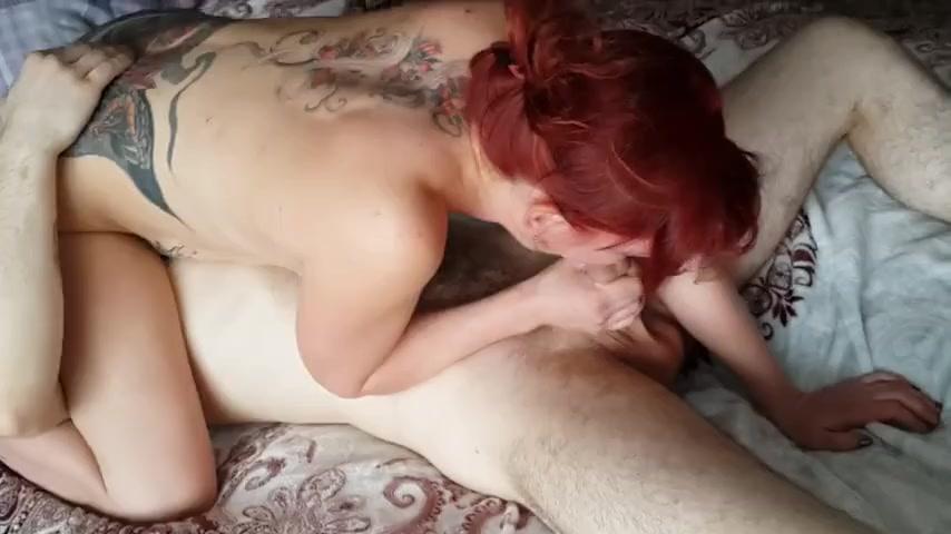 Рыжая сучка с любимым и его другом