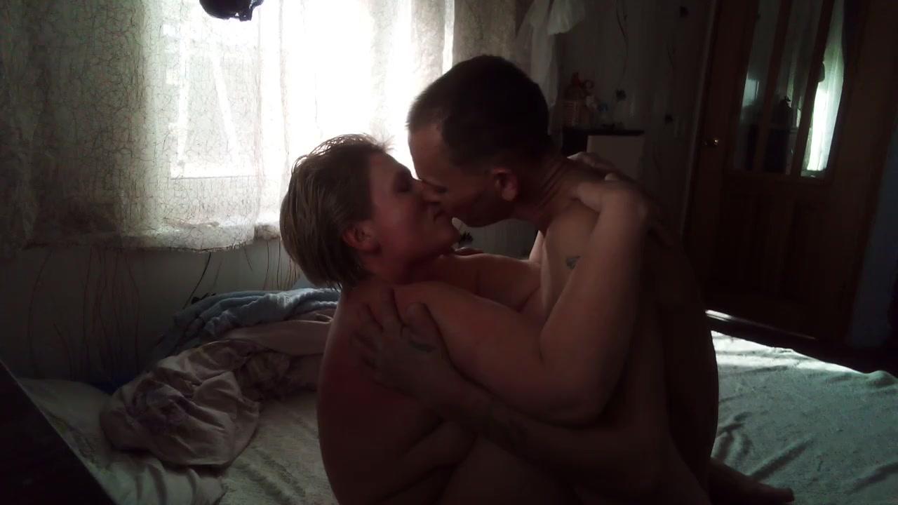 Жена полюбила молодого парня