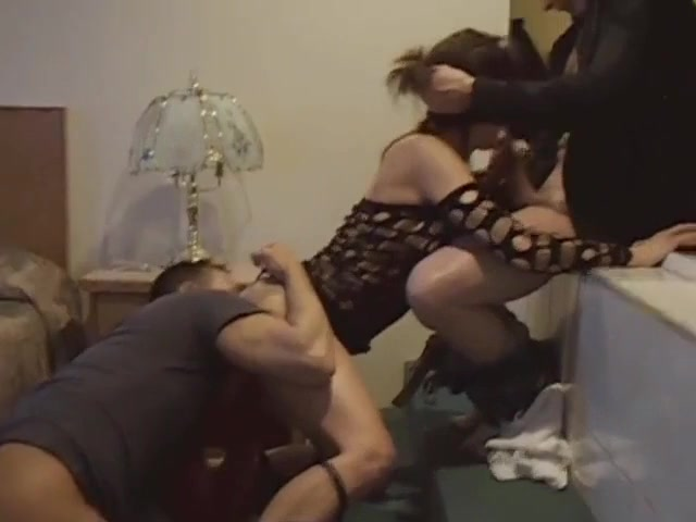 Жена тащится от двух членов